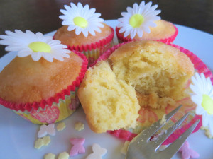 Easy lemon drizzle cupcakes uk